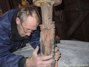 Harry-bezweert-steenspil-klauwijzer-in-de-rijn